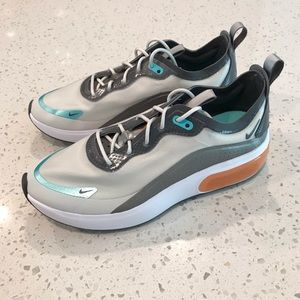 Nike Shoes - Nike Air Max Dia SE